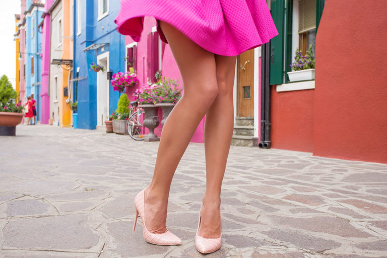 Sexy and beautiful legs – a real eye-catcher for the summer