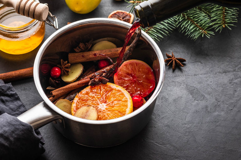 Delicious punch and mulled wine recipes for cold winter days